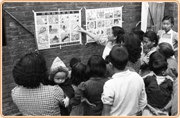 圖15 衛生所製作防瘧疾蛔蟲海報