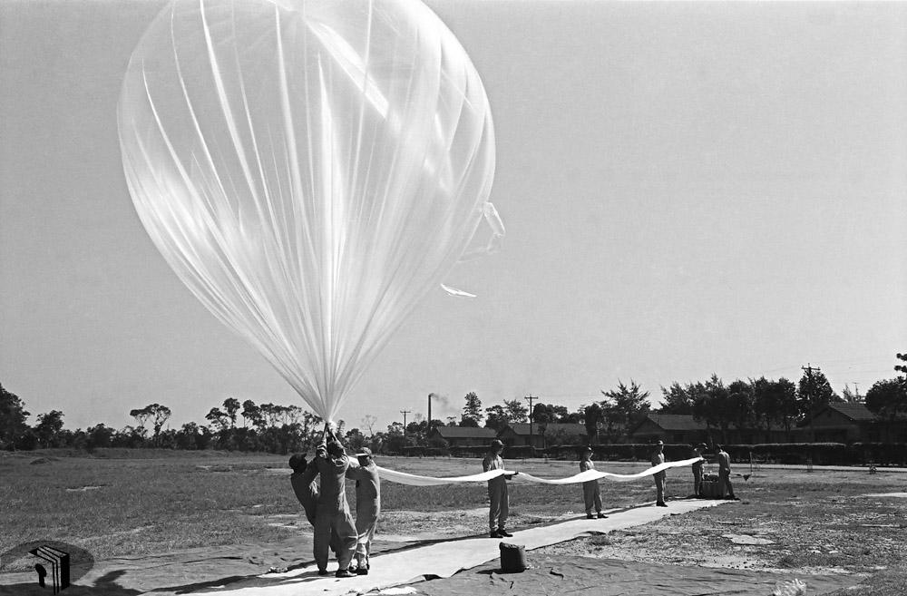 圖3 高空汽球施放作業