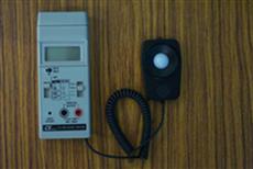圖1:照度測量儀器