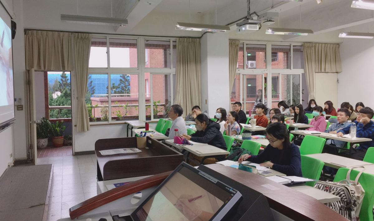 國家檔案融入大學研究方法及專題講座集錦