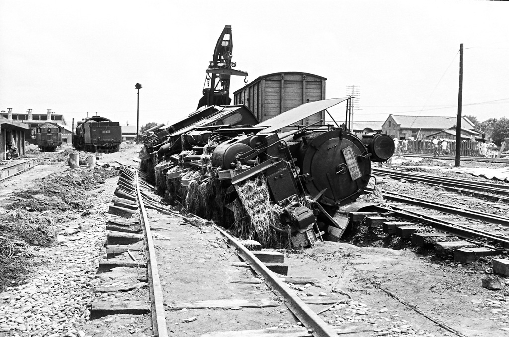 CT169蒸汽火車頭遭八七水災襲擊傾斜