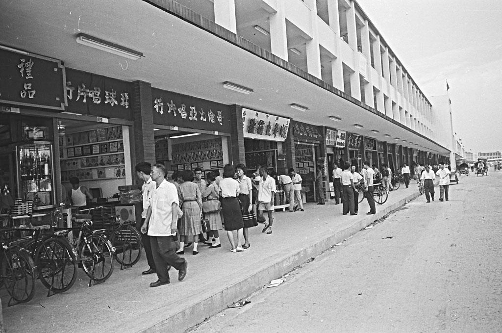 圖15 中華商場「信」棟一樓的景觀