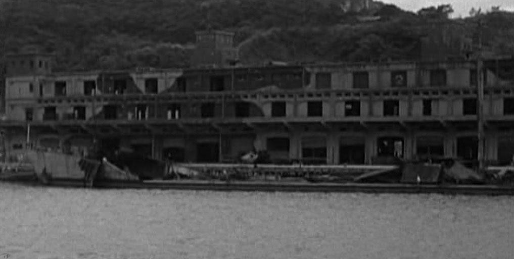 圖2 基隆港內被炸毀船艦